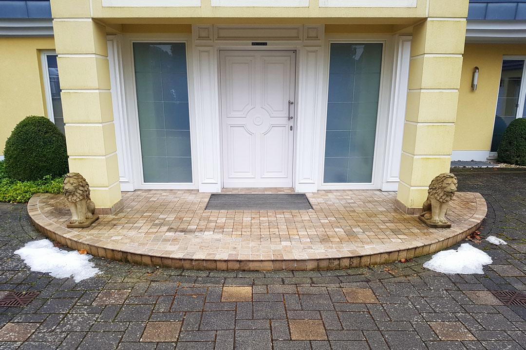 Steindesign Eingangsbereich Alt